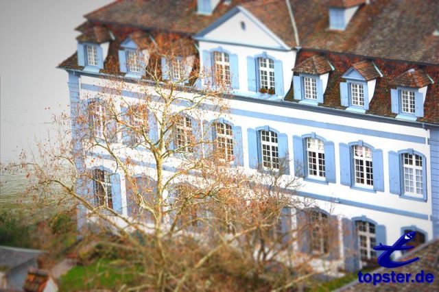 Casa a Basilea con il Reno