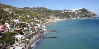 伊斯基亚岛海滩散步 MARONTI